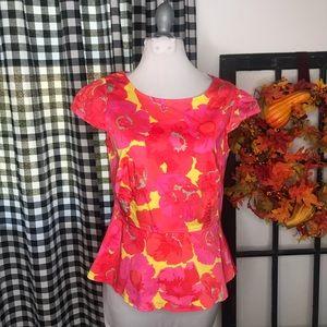 Ann Taylor loft pink floral peplum top size 2 E2